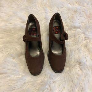 Shoes - Vintage Medium Brown suede buckle dress shoes